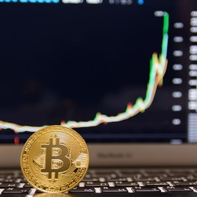 """CEO OF US Cryptocurrency Exchange """"Kraken"""" Looks Towards The Future Of Bitcoin Price"""